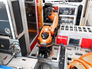 Robot KUKA for special palletizing