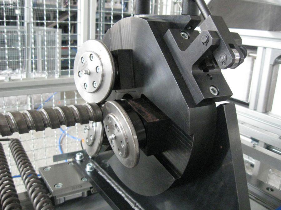 Maszyna doprodukcji wężownic